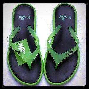 Sanuk Sidewalker flip flops